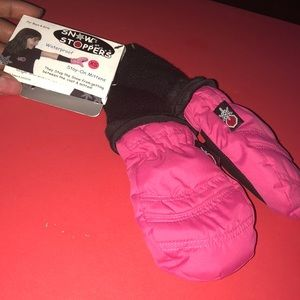 Other - Snow stoppers gloves